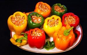 Перец, фаршированный овощами