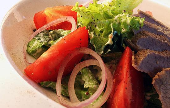 Говядина (телятина)  под сметанным соусом