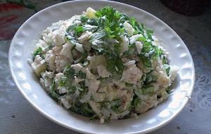 Салат с рисом и куриными грудками