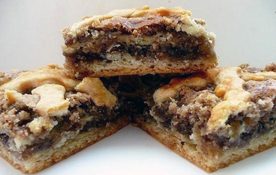 Песочный торт с ореховой начинкой