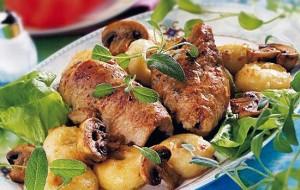 Зразы по-литовски, фаршированные черным хлебом и грибами