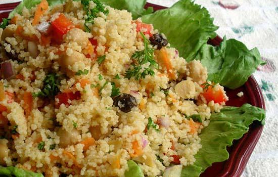 Салат с сардинами и овощами