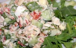 Салат из куриного филе, грейпфрута и огурцов