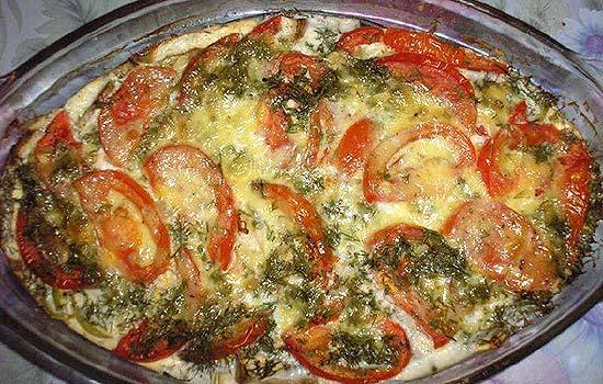 Рыбная запеканка с помидорами