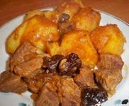 Телятина с картофелем и черносливом