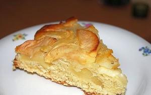 Манный пирог с яблоками