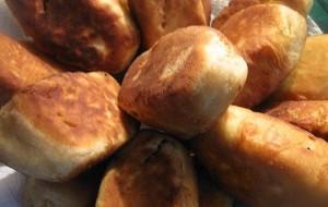 Пирожки с картошкой, жаренные на сковороде