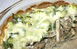 Салат с куриной печенью и брокколи