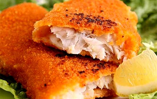 Рыба жаренная в сухарях