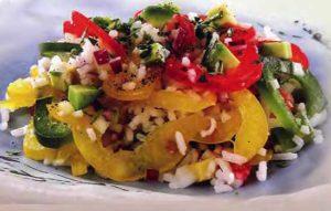 Салат из овощей с рисом