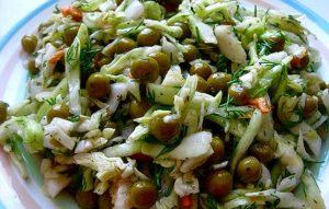 Салат с салями и молодой капустой