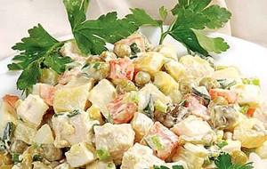 Салат столичный с рисом и куриным мясом