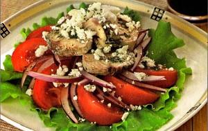 Салат из скумбрии и помидоров