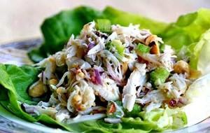 Салат с грушами и морепродуктами