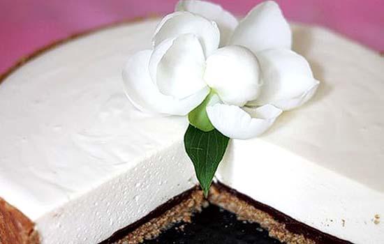 Торт без выпечки сырно-шоколадный