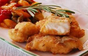 Жареная рыба с томатным соусом