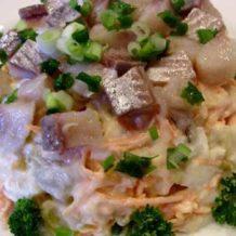 Картофельный салат с сельдью