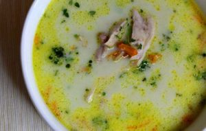Суп сырный с цветной капустой и кабачками